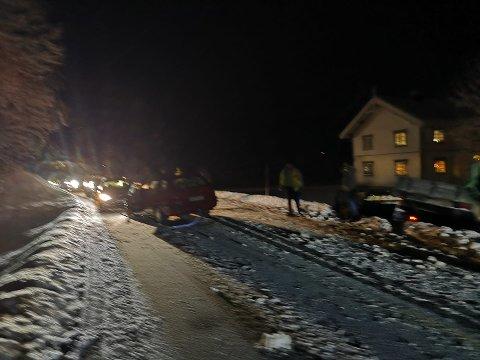 KOLLISJON: Det har vært et trafikkuhell i Ørvella i Heddal fredag kveld. Politiet oppfordrer folk til å kjøre forsiktig.