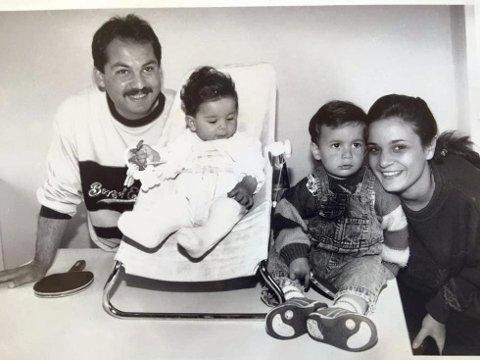 BÅTFLYKTNINGER: Ghassan, Aziz, Ahmed og Lina Chaer kom som båtflyktninger fra Libanon.