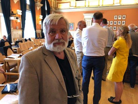 BLE PROVOSERT: Ragnar Steinstad i Rødt ble provosert da Ap og Høyre drev valgkamp under Mersmak i fjor, til tross for at politikerne hadde fått beskjed om å la være. Da Steinstad tok dette opp torsdag, brukte bystyret 28 minutter på debatten. FOTO: VIGDIS HELLA