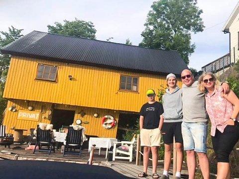 SAMLER FAMILIEN: - Dette gjør vi får å ha det gøy, og dette er noe vi i familien gjør for å ha et felles prosjekt, sier Truls Gulbrandsen, som vil bidra til å skape liv og røre i bygda.