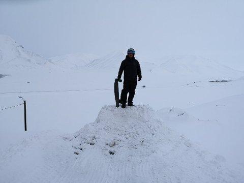 ARKTIS: Startskuddet går fra Svalbard der Nielsen har jobbet i seks måneder. Foto: Privat