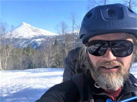 PÅSKETUR: Per Øyvind Sørebø Gulliksen tok sykkelen til Mårbu.