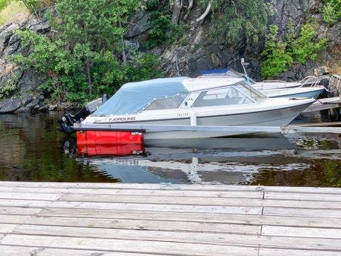 FORSVUNNET: Denne båten, en Fjordling 18 ht, ble stjålet i Kragerø i helga.
