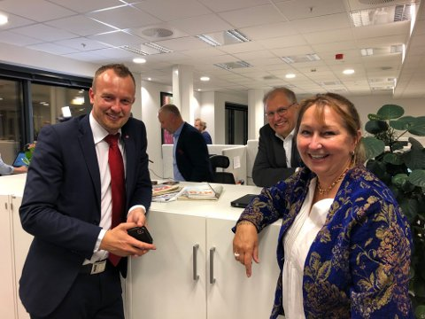 ER ENIGE: Den nye fylkesordføreren for Vestfold og Telemark er klar. Det blir enten Sven Tore Løkslid eller Terje Riis-Johansen. Gunn Marit Helgesen må håpe på en ny periode som leder av KS.