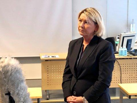 JUSTISMINISTEREN: Justisminister Monica Mæland (H) mener at polititilbudet i Seljord kommune er styrket gjennom politireformen. Bildet er fra da Mæland besøkte Grenland politistasjon tidligere denne måneden.
