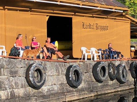 REKORD: Sommeren 2020 var det rekordmange som besøkte Lårdal brygge og som gikk Lårdalstigen.
