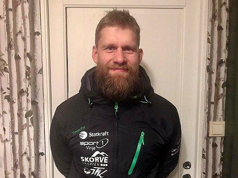 BER OM VIDERE STØTTE: Einar Heggtveit er styreleder i Huka, Telemark hoppanlegg. Nå håper han politikerne opprettholder støtten. Foto: Privat