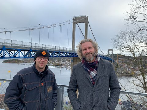 MÅL NÅDD: Pyrotekniker Olav Hanto og velleder Thor Kamfjord.