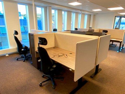 NYE MØBLER: Fylkesmannen i Vestfold og Telemark fikk tildelt 11 millioner til møbler til nye kontorlokaler. Krav om åpne løsninger gjorde det umulig å gjenbruke de gamle, forklarer administrasjonssjefen.