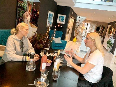 ENGASJERTE DAMER: Katrine Bakke og Monica Kleven-Løwe engasjerer seg i veldedighet. Også for disse to har året vært annerledes.