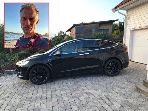 PROBLEMBIL: Gøran Hillestad har lagt ut sin Tesla model X for salg, men har ikke samvittighet til virkelig å selge den. Bilen har nemlig vært ett stort problem siden han fikk den i 2017. – Annonsen er mer et utløp for min frustrasjon, sier tønsbergmannen. Foto: Privat