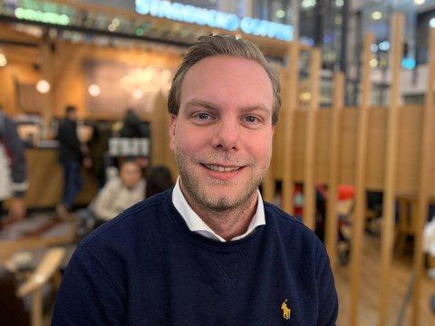GLADGUTT: Christian Laland møter som regel med et bredt smil og en god latter.
