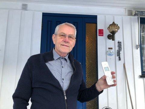 LANG TID: Det tok nesten tre måneder fra Rolf Nilsen fikk fiber fra Telenor til alt var i orden. Foto: Per B. Johansen
