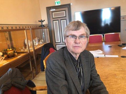 BEKLAGER: Kommuneoverlege Vegard Høgli i Skien beklager at pasientene fikk beskjeden om positiv koronasmitte via mediene. Foto: Per B. Johansen