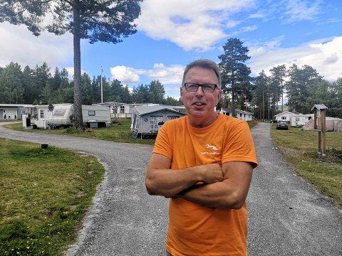 FORNØYD: Bent Espen Haugen gleder seg over at turistene strømmer til Hovin og Tinn nå i sommer.