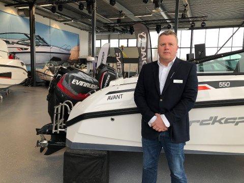 HØYT SALG: Thomas Aasland ved Triex forteller om et meget høyt salg i sommer