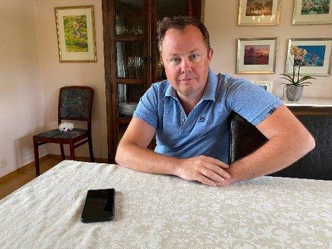 BER FOLK VURDERE REISEBEHOV: Porsgrunn-ordfører Robin Martin Kåss er bekymret for at koronasmitten i Oslo lett kan spre seg til andre kommuner gjennom reisevirksomhet. Han ber innbyggerne tenke seg om før de drar til Oslo.