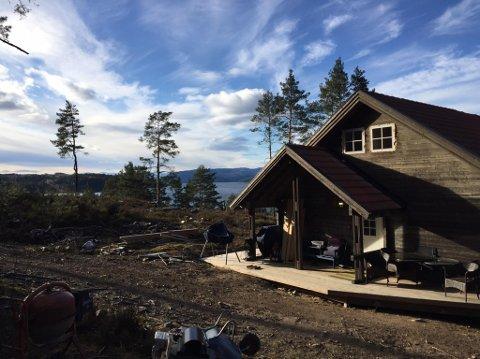 ULOVLIG: Mange hytter på Munken har ulovlig innlagt vann.