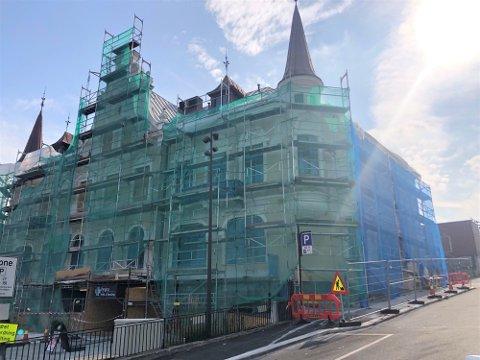 MEIERIBYGG TIL BESVÆR: Oslo Malermester Forretning AS rehabiliterer den kommunale eiendommen Meierigården i Porsgrunn