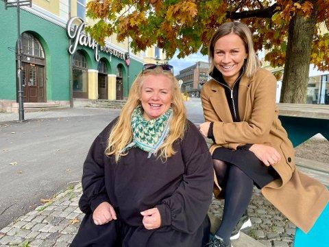 JUBILEUM: Lena Barth Aarstad og Jannicke Abrahamsen er klare for 10-årsjubileum med juleshow i Parkbiografen.
