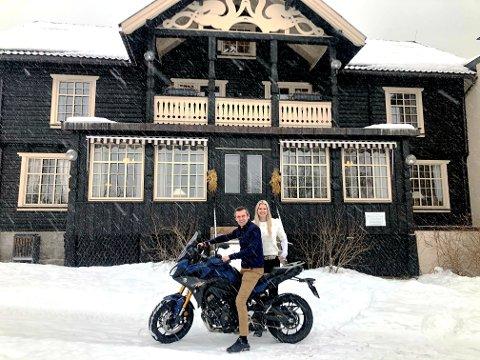 FRAMOVER: Lars Arne Straand og Katrine Straand satser friskt videre på tohjulinger og deres førere.