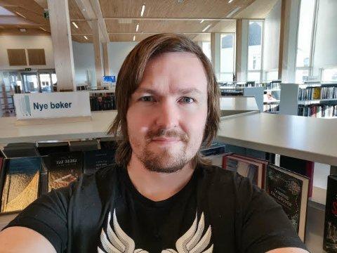 NY LEDER: Alexander Almvik, her på jobben som bibliotekar, er nå leder av Oddrane.