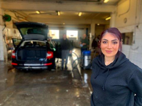 FAMILIEBEDRIFT: Shagol Hama er daglig leder hos Pors bil og båtpleie, som åpnet mandag.