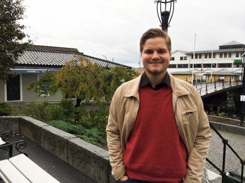 GÅR PÅ: Politiker Tobias Drevland Lund er på offensiven inn mot høstens valg.