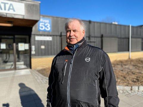 GIR SKRYT: Jan Borgar Solberg ble lagt inn ved Sykehuset Telemark midt i koronapandemien. Nå roser han personalet for det arbeidet de legger ned.