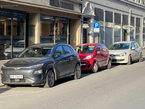 MAKS TRE TIMER: Det blir trolig innført en begrensning på maks tre timer for parkering i Skien sentrum. Dette for å hindre at folk flytter bilene fra plass til plass mens de er på jobb.