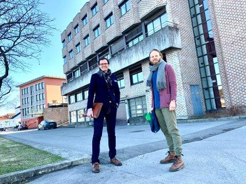 SLÅR SEG SAMMEN: Bratsberg Næringseiendom, her representert ved administrerende direktør Simon Stordalen, og Christian Svarstad, daglig leder ved Rose Eiendom har kjøpt Nordentorget i fellesskap.