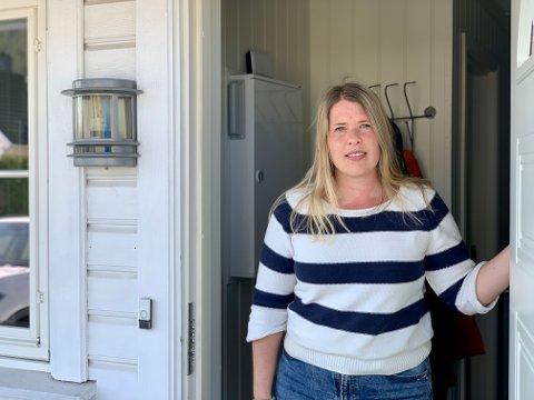 Mette Thorsen forteller at hun fikk god informasjon fra kommunen da hun havnet i karantene.