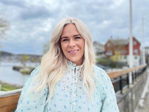 STYLIST: Marthe Linnea Gran Johnsen er stylist. Nå utvider hun og vil tilby tjenestene til privatpersoner. – Mote og klær er en lidenskap, sier hun.