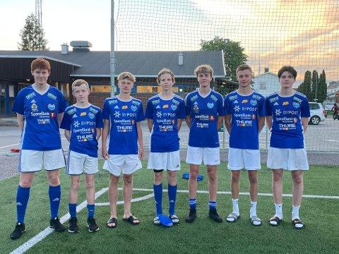 UNGGUTTER: De syv som debuterte på juniornivå. Fra venstre: Bendik Hansen, Pål Ludvig Skau, Fillip Sæther, Oskar Johnsen, Ola Midgaard Strand, Kristian Berg og Torkild Amundsen.