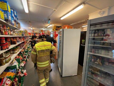 PROBLEMER: De nye fryseskapene har ført til problemer for asiamat-butikken ved Down Town i Porsgrunn. Foto: Theo Aasland Valen