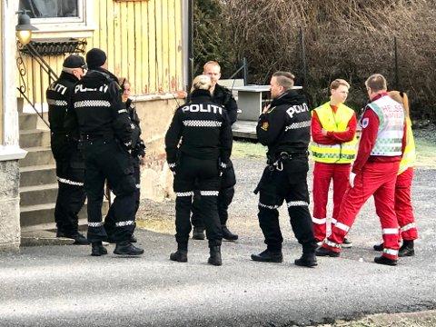 OVERDOSEDØDSFALL: 14. februar i fjor ble to unge menn funnet døde av overdoser i en bolig i Skien. Faren til den yngste av mennene er overbevist om at hendelsen ikke var et uhell. Foto: Arkivfoto: Elisabeth Løsnæs