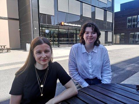VIL STOPPE: Karoline Aarvold og Mathilde Bu Skjeggestad vil forhindre frafall på den videregående skolen.