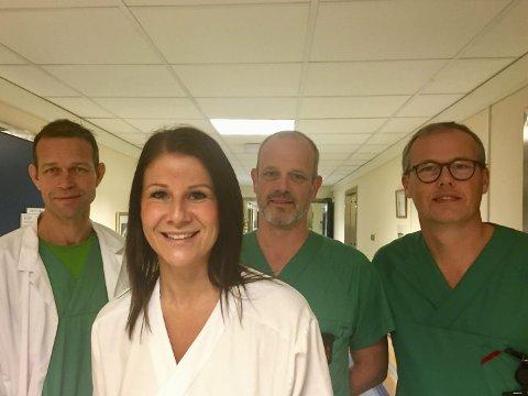 TEAM: Ola Tingby, Elisabeth Oskasin, Egil Hardang Johannesen og Hans Petter Olséen er blant dem som har bidratt til å bygge opp en forbedret behandling av pasienter som får satt inn kne- eller hofteproteser. – Vårt mål er å gjøre det bedre for pasienten.