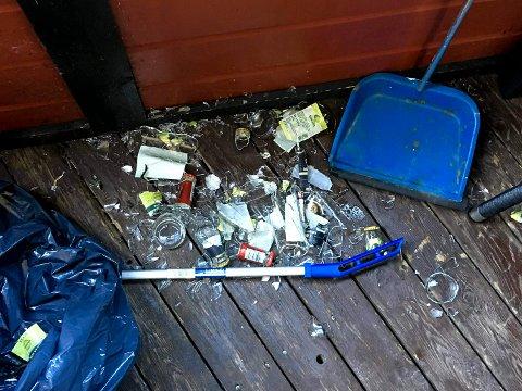 ROT: Slik så det ut etter at tyvene hadde brutt seg inn på utestedet