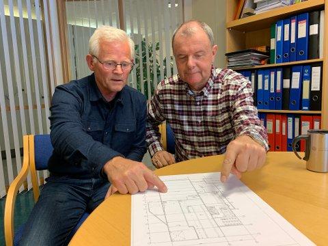 STYRKER SKOLEN: Hvem skulle tro at en gammel båtslipp skulle styrke skoletilbudet på Notodden videregående skole? Men det gjør den altså, ifølge rektor Tomm Svarstad og administrerende leder Roy-Åge Thunestvedt.