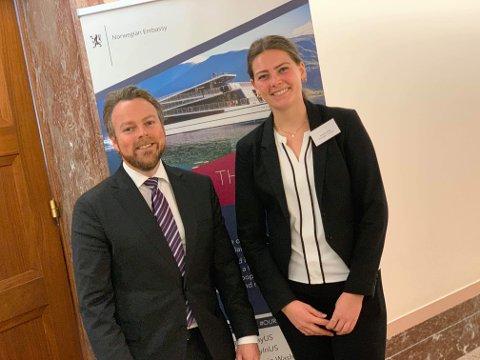 VERTSKAP: Kristine Kivle fra Notodden var vertskap for statsråd for handel og industri, Torbjørn Røe-Isaksen, da han nylig besøkte Washinton DC, den norske ambassaden, Kongressen.
