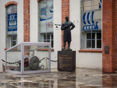SPENNENDE LOKALHISTORIE: Grip muligheten til å lære mer om hvordan Norsk Hydro ble grunnlagt.