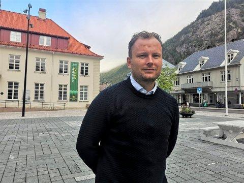 GLEDER SEG: Håvard Kleven er ny salgssjef i visitRjukan. Han ser fram til å komme i gang med å selge Rjukan og Tinn.