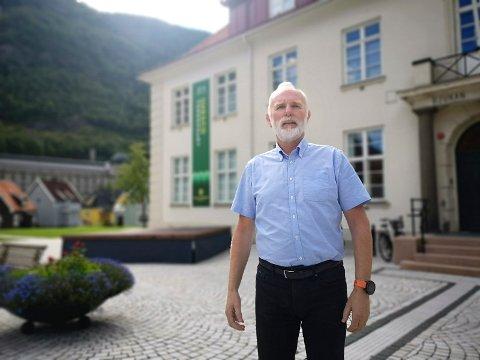 JOBBER MED SMITTESPORING: Konstituert kommunedirektør Svein Aannestad forteller at smittesporinga pågår for fullt.