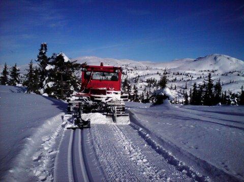 BEDRE: Løypekjørerne i Hjartdalsfjella får en enklere jobb nå som trassen fra Breivatn og opp til Flottin legges om i nærheten av Lauvhaug. (Foto: Tor Ole Flatland)
