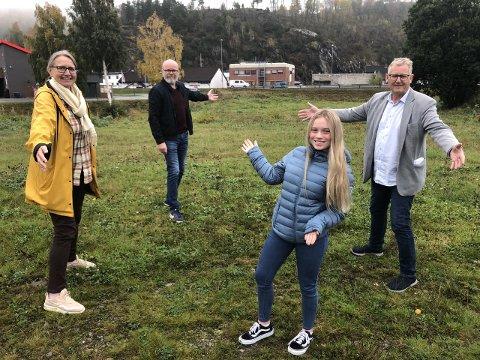 INVITERER: Gunnhild Tveiten Gaberg, Terje Malm, Jens Marius Hammer og Ane Amalie Elvethon ønsker seg så mange forslag som mulig for hvordan aktivitetsparken skal utformes.