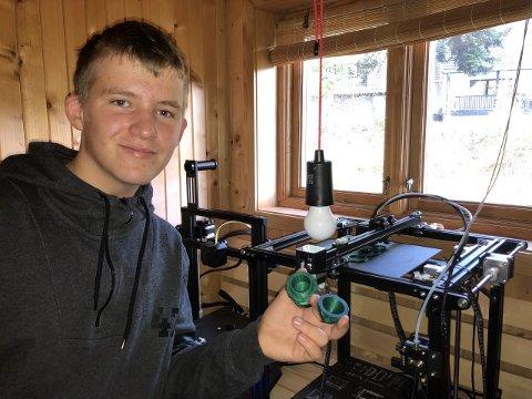 Bjørn-Kristian Lund (14) har en hobby utenom det vanlige. Nå starter han business for å tjene penger på hobbyen.