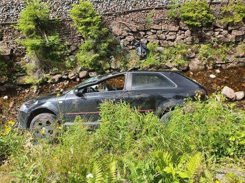 BERGET: Bilen har synlige skader, men ingen av de involverte skal være alvorlig skadet.