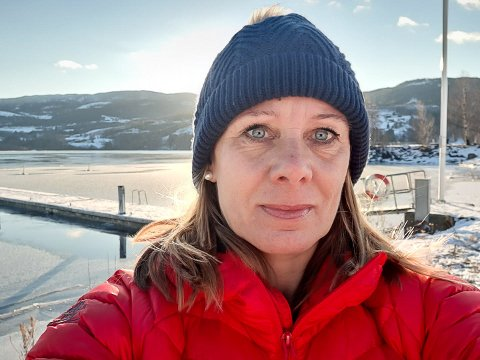 FEM UKER: Det er fem uker siden Anette Mogen ble syk med covid-19, og fremdeles har hun ettervirkninger av sykdommen. - Dette er ingen sykdom å spøke med, sier Anette., som håper å kunne begynne på jobb igjen etter vinterferien.