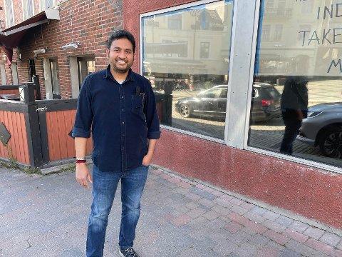 - Sentrum er stedet, sier Prasad og åpner derfor egen takeaway-restaurant i Storgata.. Han vil fremdeles ha restauranten på Ramberghjørnet.